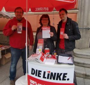 Infostand 2014 mit Jens Dietzmann, Marion Junge und Lutz Grzonka auf dem Marktplatz in Kamenz